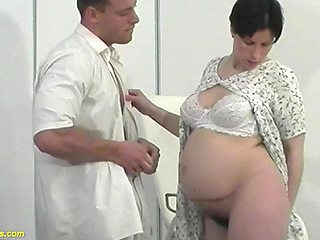 Extreme preggo milf anal fucked by her doctor