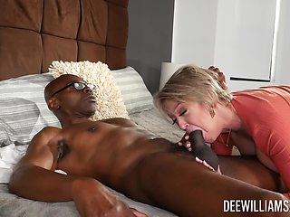 Rough sex in bed for the thick mature with huge tits