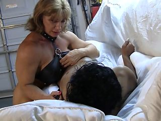 Muscle bitch trains a house slave (2 of 3)
