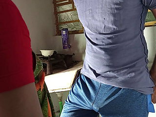 Chiken Bana Rhi Maid Ko Kitchen Stand Par Choda - Pussy Fuck