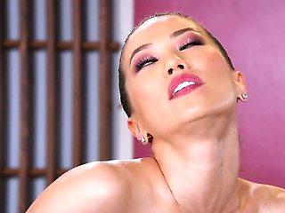 The horny boss wants to fuck his beautiful Asian secretary