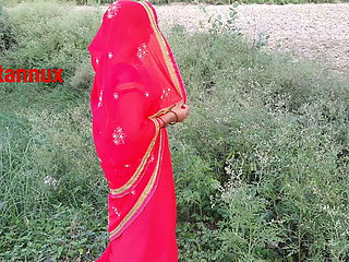 Sona bhabhi outdoor fucking pussy doggystyle sex – Village girl