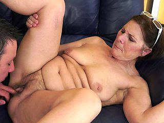 A granny with a big ass is sucking a cock and her pussy is licked