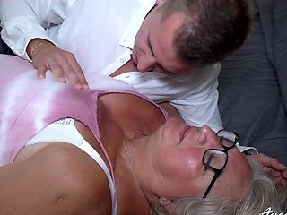 One really old mature lady got her wish fulfiled with handy stud really hard