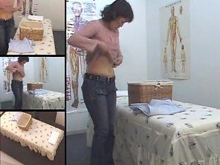 Big arse Japanese babe enjoys in voyeur erotic massage movie