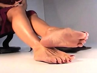 Foot sucking foot job and pussy eating session