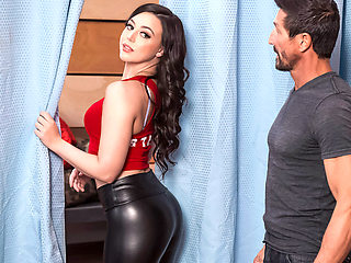 Whitney Wright & Tommy Gunn in Category Whore Tornado - BRAZZERS