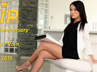 Gina Gerson & Megan Rain in HD Pissing Video Megan Rain - Vipissy