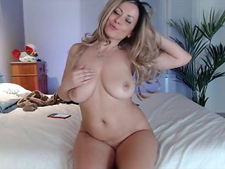 Busty blonde dance naked and masturbate on webcam