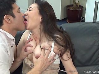 Quickie fucking on the leather sofa with mature chick Yuri Nihongi