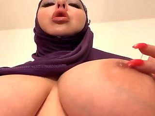 Arab tit play